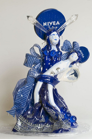 Marliz Frencken - Nivea Girl with Child - 2006