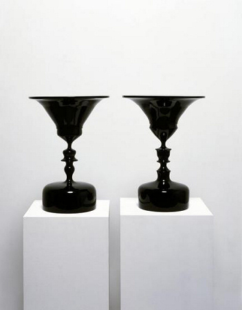Tim Noble and Sue Webster - Spinning Heads in Reverse - 2006