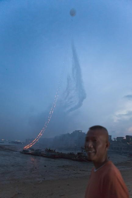 Cai Quo-Qiang - Sky Ladder (5)